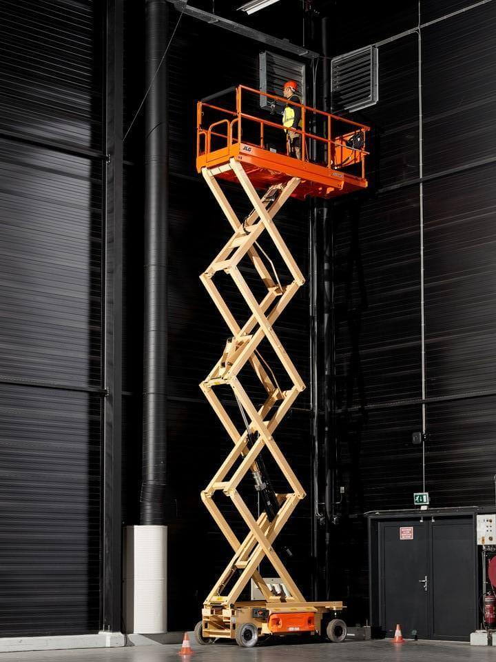 Hire JLG 32/46 |Electric Scissor Lift Hire NW|Powered Access
